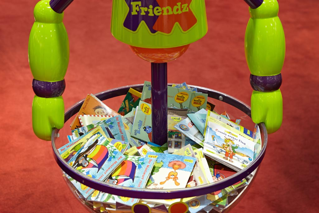 zur Präsentation von Mini-Büchern in Griffweite der Zielgruppe